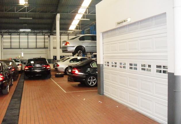Showroom BMW บางนา กม.2