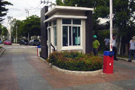 รุ่น Road Barrier 3 หน้าหมู่บ้านปินเก้ลา